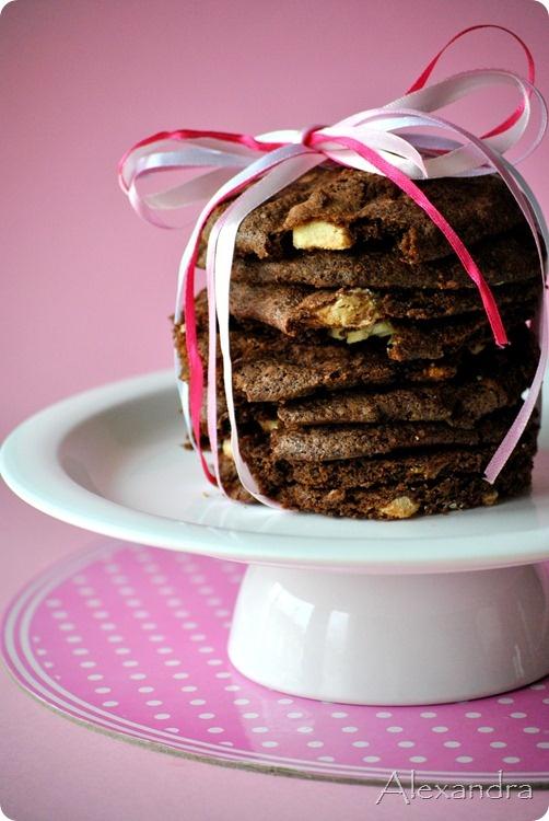 Μπισκότα γεμιστά με λευκή σοκολάτα