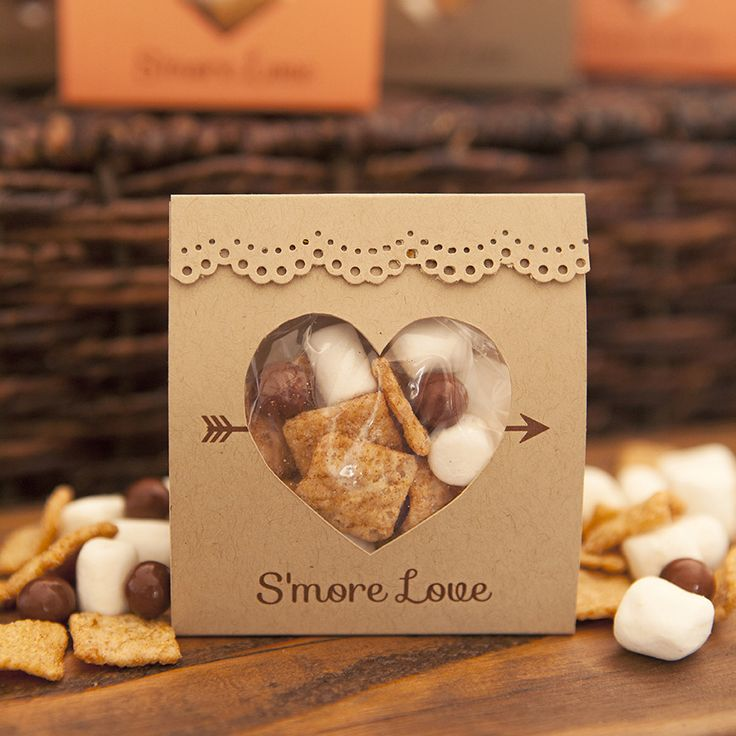 Grab our FREE printable design and learn how to make the most adorable s'mores wedding favors you have ever seen! Inexpensive too!