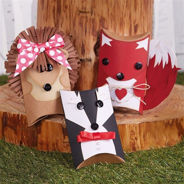 Follow Sharon's quick tutorials to make these cute pillow box papercraft animals!