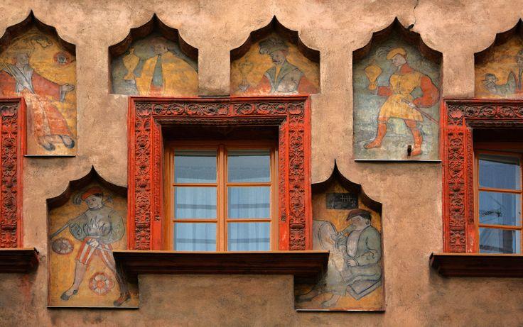 https://flic.kr/p/BirbHb | D71_7734A | Stará okna. Old windows. (Pardubice, Pernštýnská street no. 11, CZ, painting from years 1507-1515).