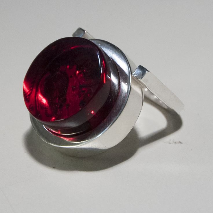 Around Time 4 (ring) 2012 Sterling Silver 25 gr, Red Plexiglas