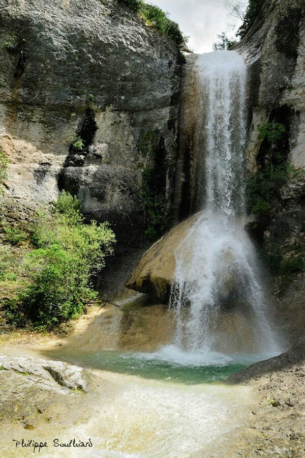 Cascade Rochecolombe, Ardèche, France #isabella #feelfree