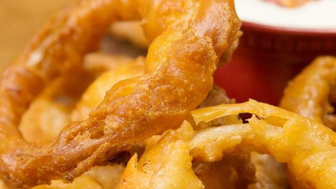 bacon beer battered onion rings recipe appetizers. Black Bedroom Furniture Sets. Home Design Ideas