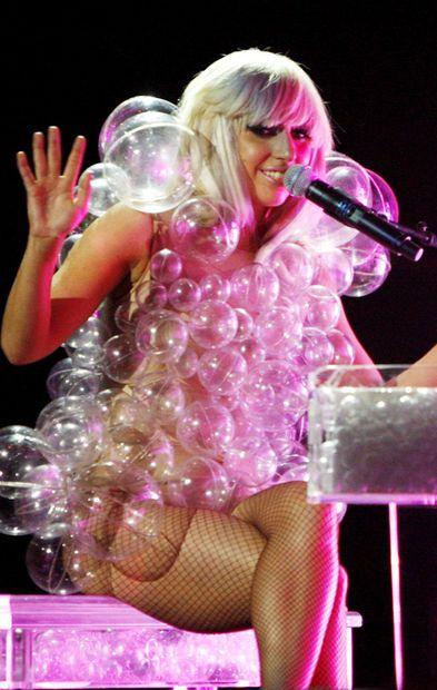 Lady Gaga's bubble dress tutorial.