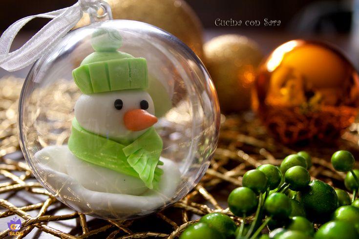 Palle di natale decorate, con tutorial. Tutorial qui: http://blog.giallozafferano.it/cucinaconsara/palle-di-natale-decorate-tutorial/
