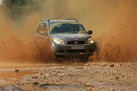 Daihatsu Terios Rally: Χαμηλές πτήσεις - Off-Road.gr