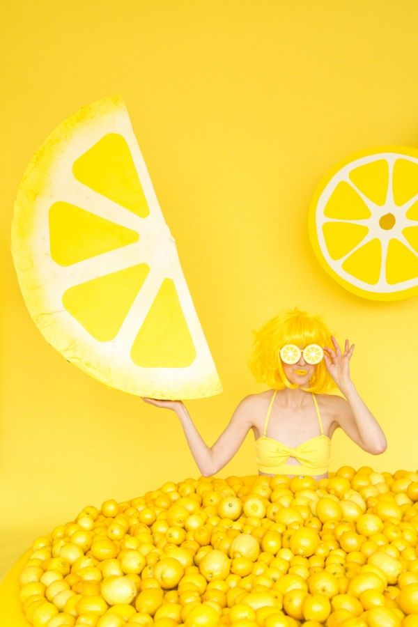 When Life Gives You Lemons: DIY Lemon Photo Booth | Studio DIY®