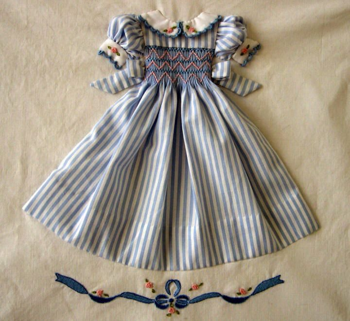 Tiny Smocked Dress.  This artist has adorable patterns!!