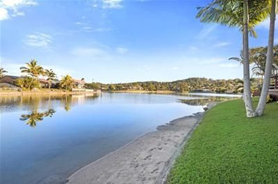 128/2-10 Coolgardie Street Elanora QLD 4221 ~ WATERFRONT TOWNHOUSE #realestate #goldcoastproperty #southerngoldcoast #waterfront #investment #locationlocationlocation #forsale #inspection #realestateagent #givemeacall
