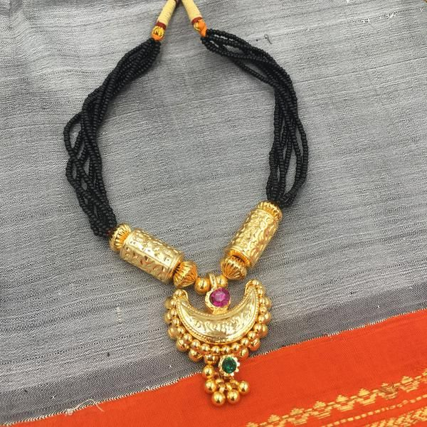 KOPM - Chandrakor with Cylinder shaped pendant