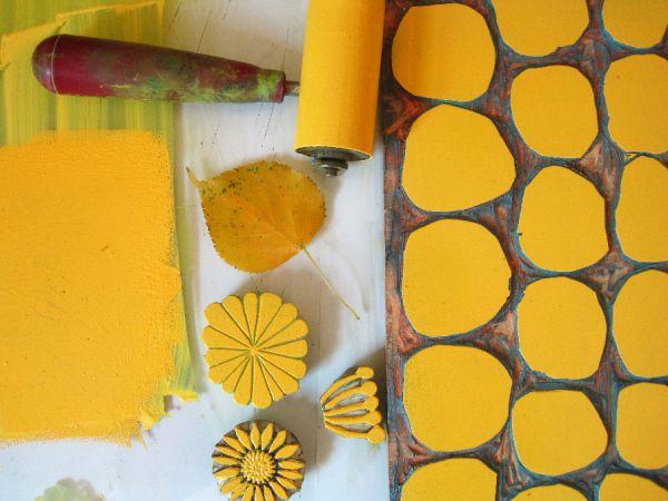inked-up lino printing blocks - yum! Jeanne McGee http://jeannemcgee.wordpress.com/2012/09/28/printed-fabric-2/