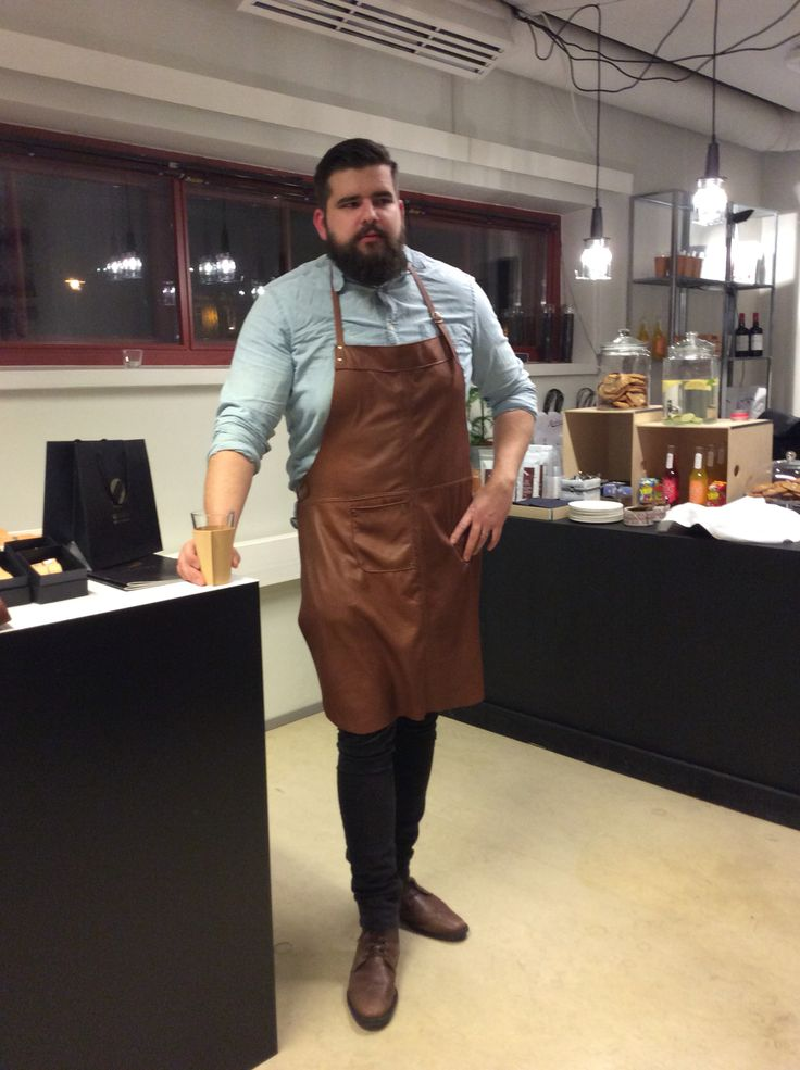 Handmade elk leather apron. www.gedigo.fi