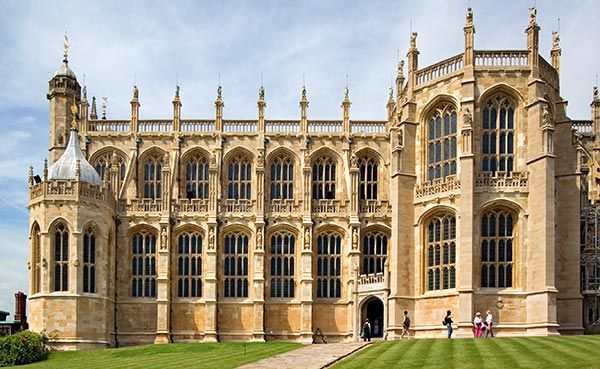 St Georges Chapel, Windsor Castle -  one of Queen Elizabeth II's official residences - is the largest and oldest occupied castle in the world - dates back to William the Conquerer - since then, Windsor Castle has expanded to a floor area encompassing about 480,000 square feet.