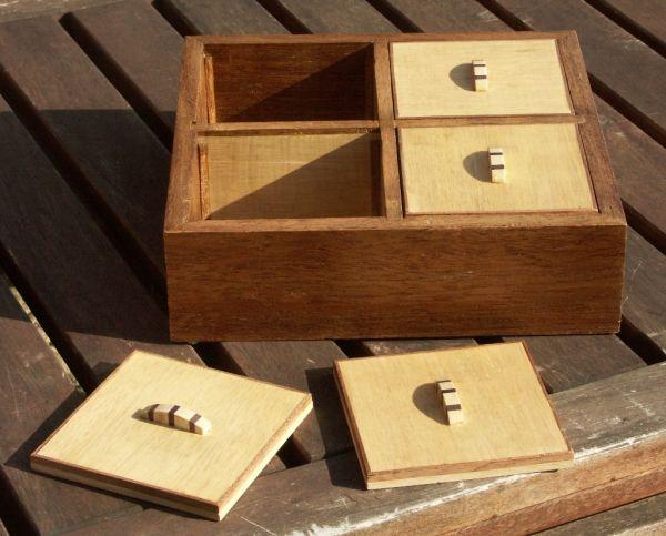 Boite à sachet de thé par Philippe78bois - une boite pour ranger des sachets de thé ou d'infusion. Encore une fois à base de planche achetée rabotée et de chute de parquet.