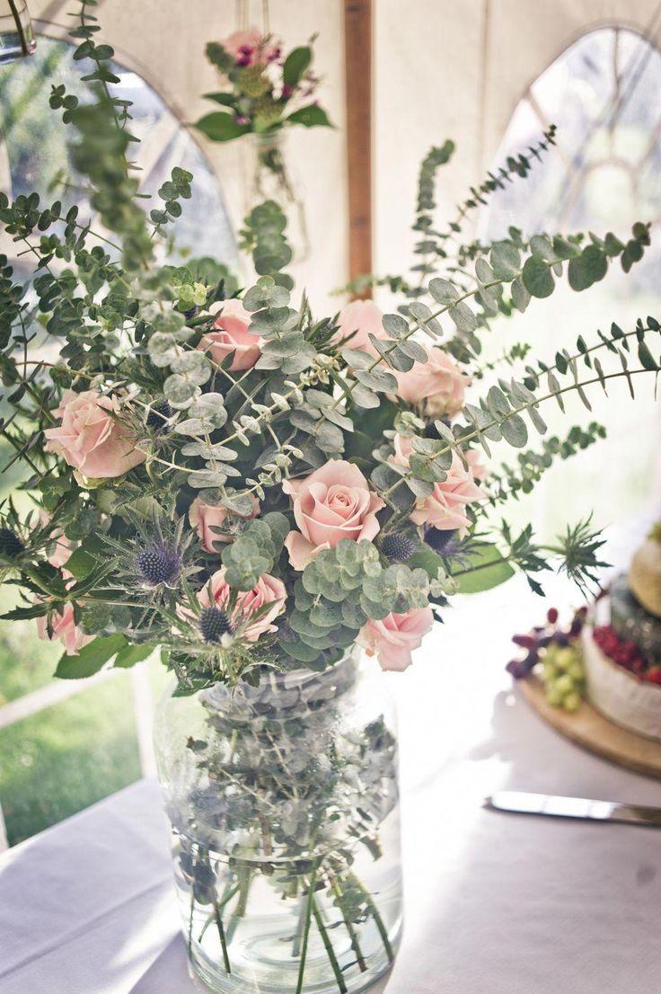 beautiful farmhouse mason jar floral arrangement inspiration