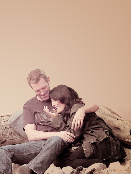 Hugh Laurie and Lisa Edelstein as Dr. Gregory House and Dr. Lisa Cuddy. | DYING RN BC THEY ARE THE MOST ADORABLE