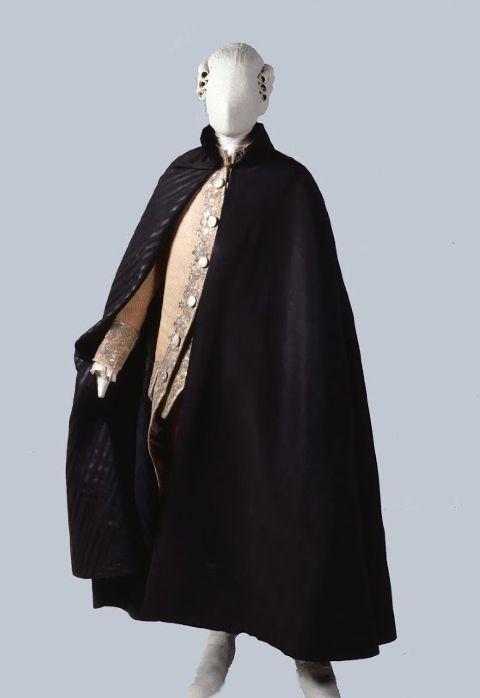"Man's cape ""tabarro"". 2nd half 18th Century | Palazzo Mocenigo"
