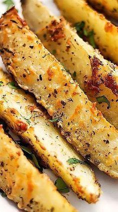 Απίθανες πατάτες φούρνου με παρμεζάνα και σκόρδο
