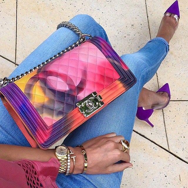 Entdecken Sie Mode von erstklassigen Designern online im Outlet von OUTLETCITY. Reduzierungen bis 70%. Blitzschnelle Lieferung. Kostenlose Designer & Marken Kleidung und Schuhe versandkostenfrei im OUTLETCITY.COM Online Outlet bestellen - Top-Marken und Designer Mode zu reduzierten Preisen. http://www.outletcity.com/de/shop/