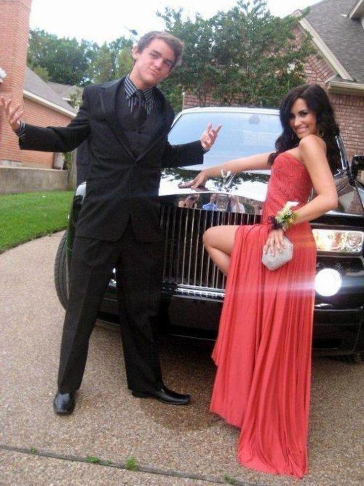 Demi Lovato at prom