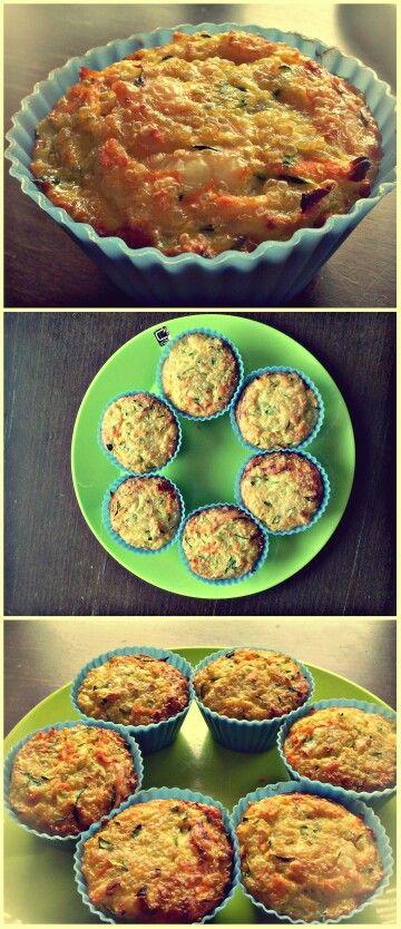Povezava do recepta: http://www.easy-recepti.com/2013/04/kvinoja-z-zelenjavo-tortice-za-malico.html  Dober teeeek :)