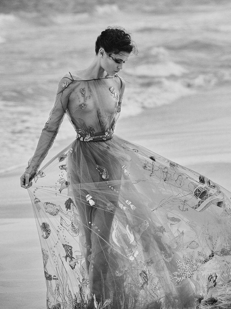 Silver Light: Chloe Lecareux for TELVA Magazine June 2015 by Tomás de la Fuente - Valentino Spring 2015