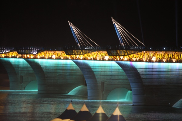 16개 보 중, 낙동강 달성보의 환상적인 야경 [ The fantastic night view of Dalseong reservoir at Nakdong river among the 16 reservoirs ]