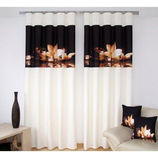 Závesy do obývačky krémovo čiernej farby s béžovým kvetom a sviečkami