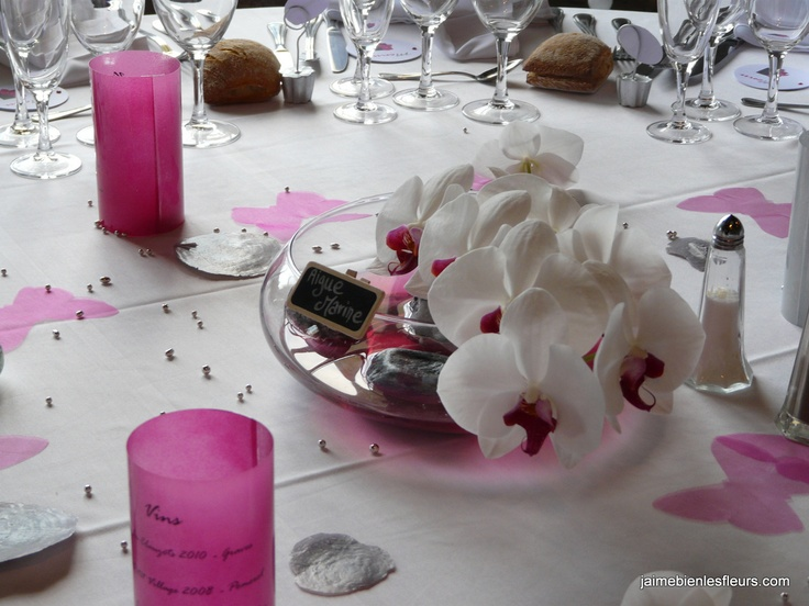 D cor de table mariage gris et fushia orchid es phalaenopsis photophores menus d co for Decoration chambre gris et fushia