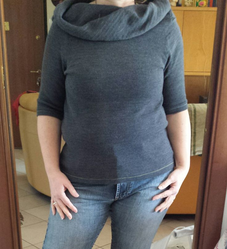 Casacchina in maglia compatta elasticizzata, modello n. 10 del numero 10/2014 de La MIa Boutique