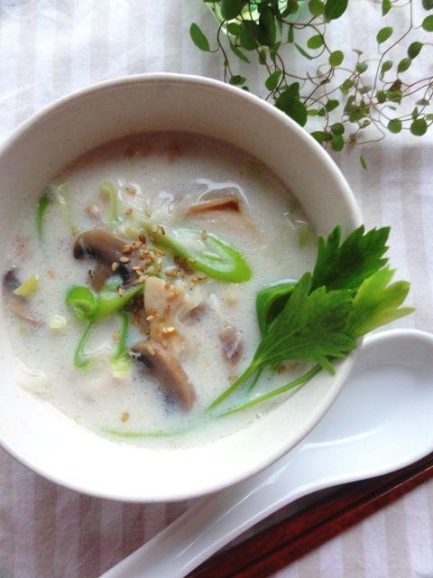 つぼ鯛のジンジャー豆乳スープ。