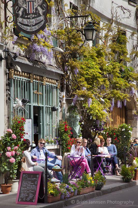 Restaurant Au Vieux in historic Auberge Depuis (est. 1594) on Ile-Saint-Louis, Paris France. © Brian Jannsen Photography