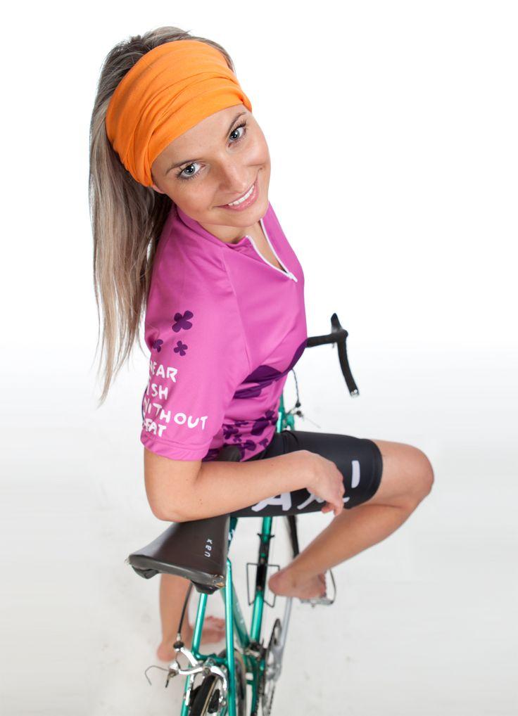 Jezdíš na kole? Máš doma něco z Cyklistické kolekce UAX! Pošli fotku na fish@uax.cz s předmětem CYKLO, nebo postni fotku na svůj Instagram s hashtagem #uaxcyclingfans  #cyklo #cyklistika #kolo #bike #mtb #vylet #krajina #pohoda #relax #cycling #cycleride #cyklodres #cesta #slunce #uax #obleceni
