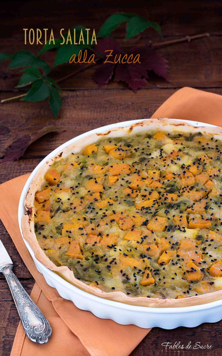 La torta salata alla zucca patate e verza è un guscio di pasta brisé riempito con un trio di verdure autunnali da cui nasce una torta saporita e genuina.
