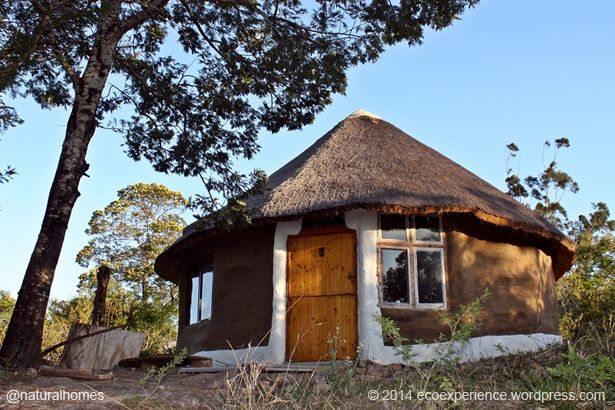 This cob thatched home is near Haga Haga village in the Eastern Cape, South Africa. It sits in an enormous 300 hectares of woodland and lush green hills bordering the Quko River in a sub-tropical climate that allows for all year-round cultivation. More at www.naturalhomes.org/timeline/khuladhamma.htm