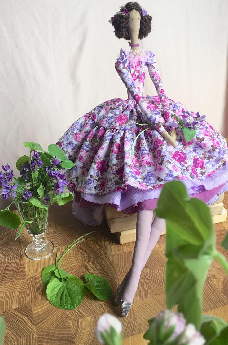 Фиалки и куклы зацветают и дарят настроение