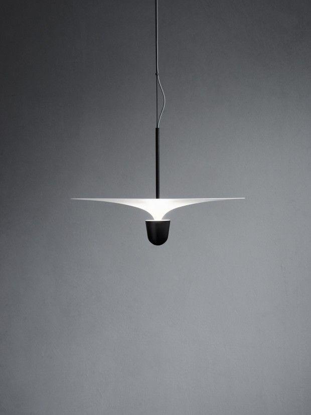 Le studio de design Falke Svatun Studio, basé à Oslo, est à l'origine de cette magnifique série de lampes baptisée Kantarell. La série se décline en un pla