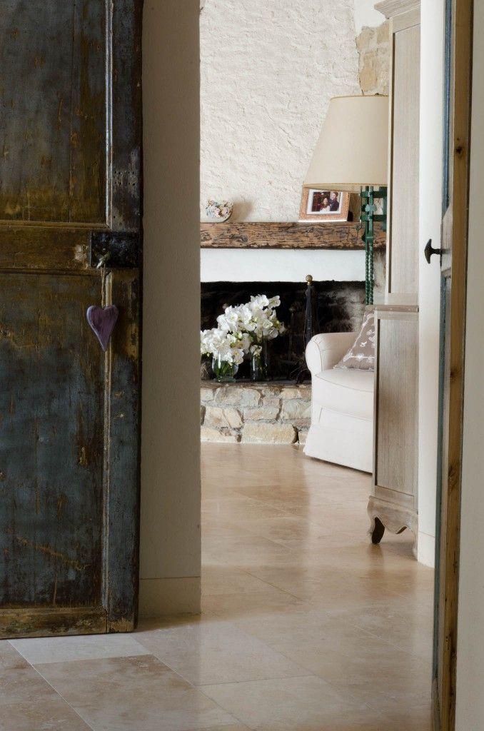 Oltre 25 fantastiche idee su pavimenti soggiorno su pinterest - Posare piastrelle su pavimento esistente ...