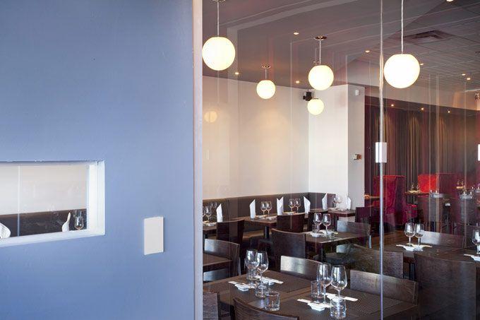 Localizado em Montreal, Canadá, o recém-nascido restaurante Kazumi Sushi Lounge já faz um enorme sucesso na cidade, e não apenas por seus deliciosos pratos. Projetado pelo designer de interiores e …