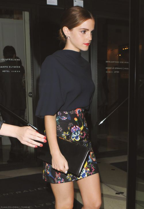 celebrity street style high waist floral skirt