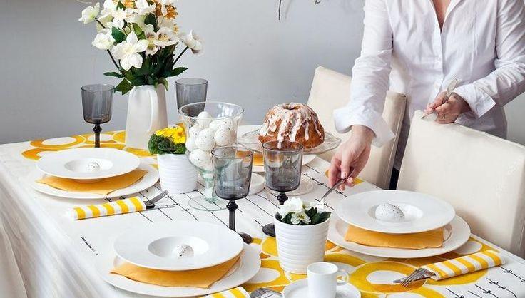 Żółta dekoracja stołu na Wielkanoc
