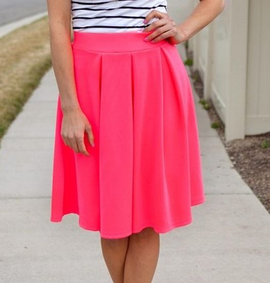 LOVE this skirt for spring!
