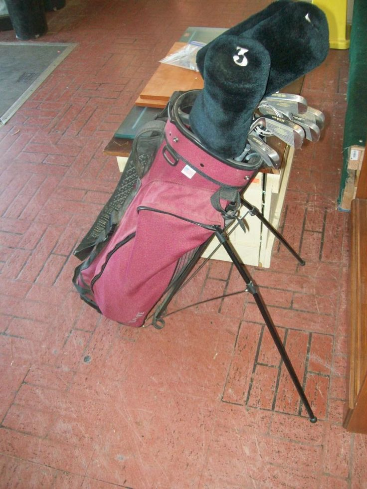 Wilson 1200 oversized tour golf club set with bag and tripod stand, 3 club covers, black and red