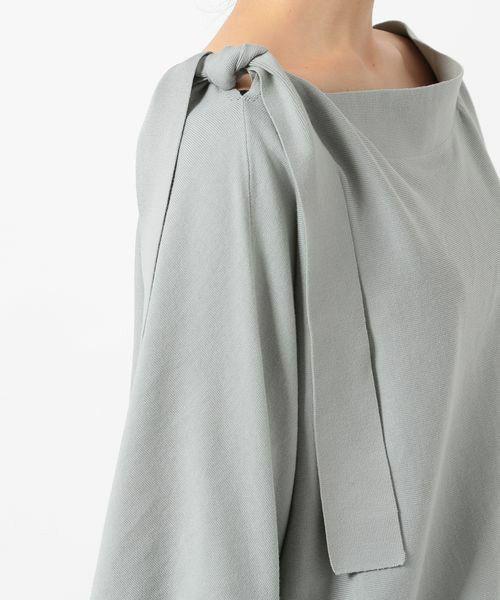 ROPE' mademoiselle(ロペマドモアゼル)の「《2017SS予約》【上下2WAY】肩リボンドルマンプルオーバー(ニット・セーター)」です。このアイテム着用のコーディネートをチェックすることもできます。