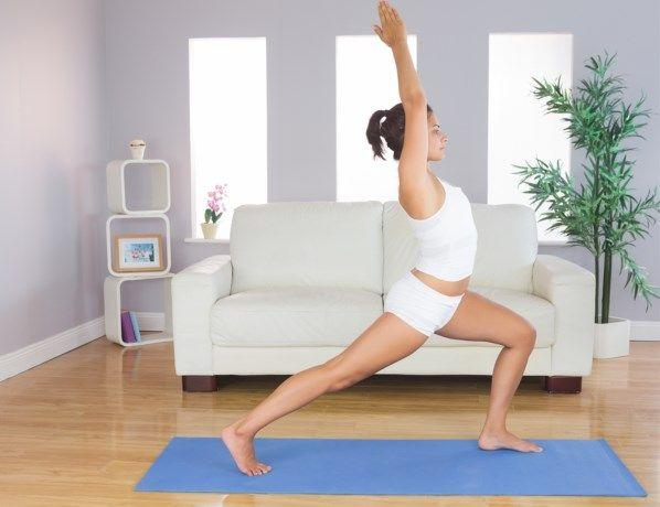 Jezelf voorgenomen om meer te sporten, dan kan je er meteen aan beginnen met deze eenvoudige maar efficiënte oefeningen voor strakkere benen die worden ged...