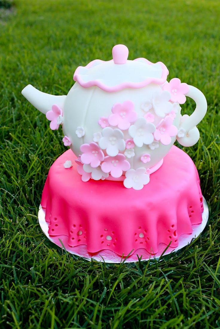 208 best Cakes images on Pinterest | Cake wedding, Decorating cakes ...