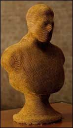picture of a bee art bust