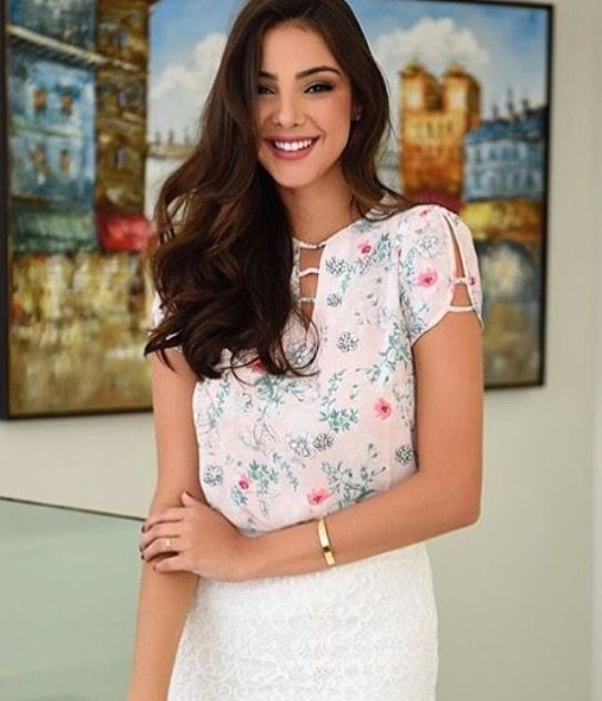 Petal sleeved blouse