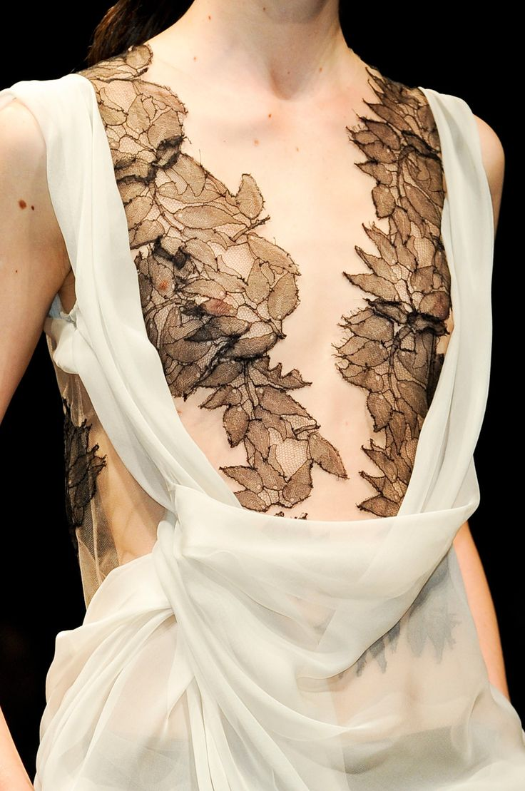 Delicate leaves and beautiful draping - dress close up; feminine fashion details // Alberta Ferreti