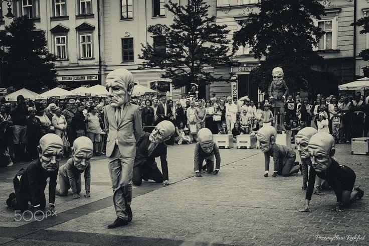 Street theatre in Krakow (Poland) - null